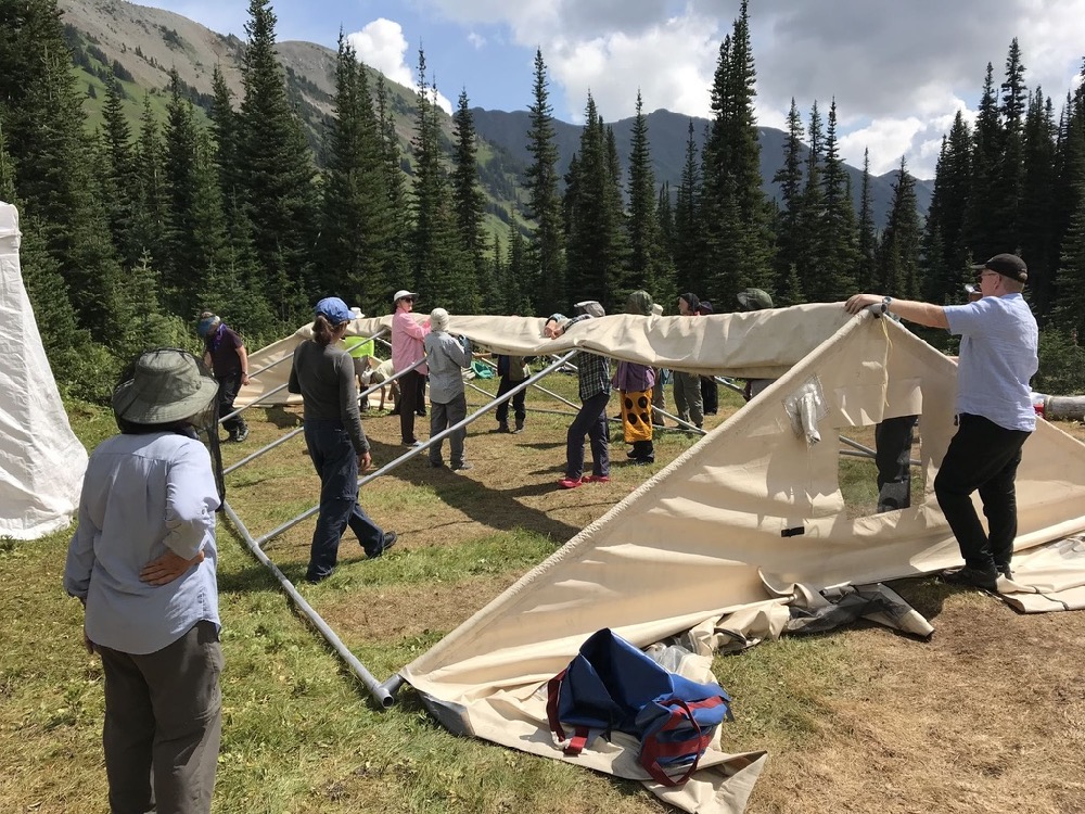 ©Denis Laplante - Taking down dining tent