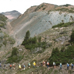 07 - Cinnabar 1980 - Bert Brink leading hike