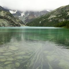 Backcountry lake behind Goat-Ridge © Gail Newell