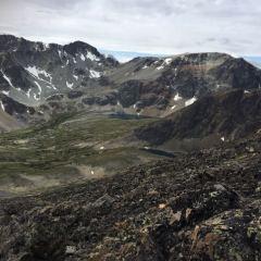 View from Ridge Peak shoulder © Teresa Gagné